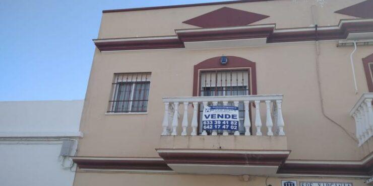 Apartamento semi nuevo en zona centro-playa